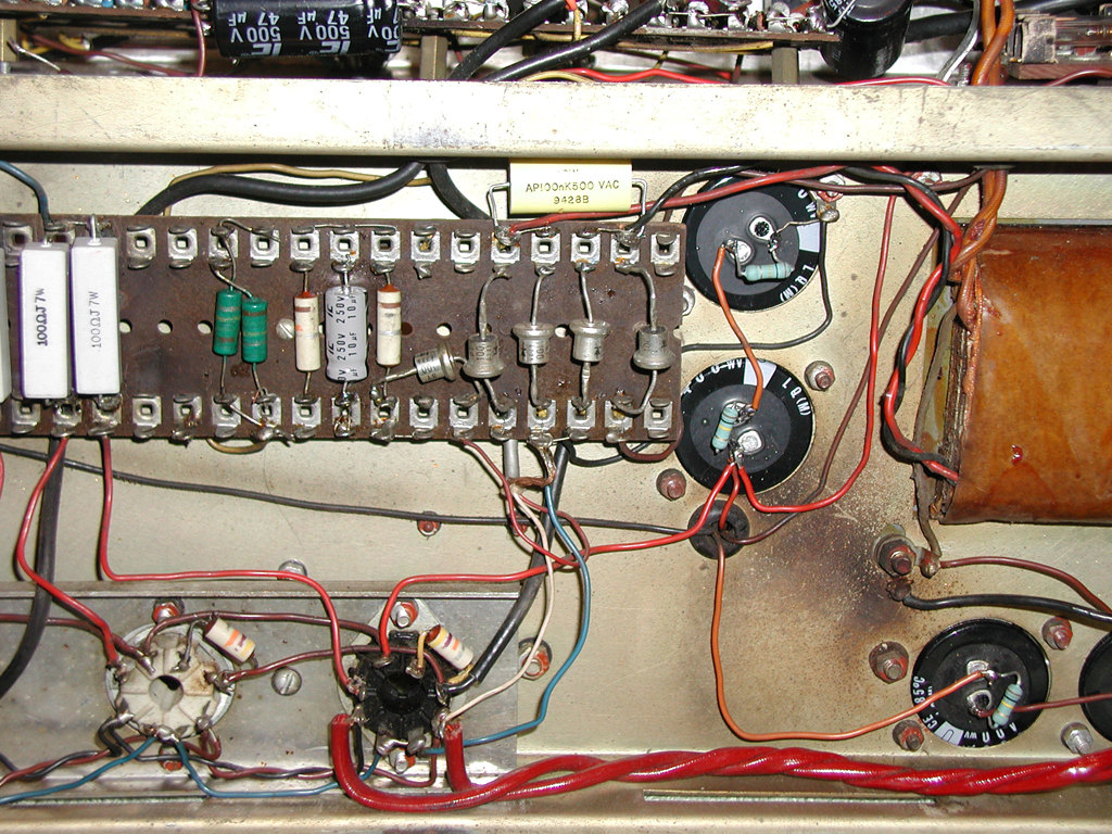Late Vox Ac100s Burndept 1967 Ac30 Wiring An Interesting Amp Chassis 2290 One Of The Four Original Capacitors Is Shown In Picture 2 Note Mini Choke Transformer Part Bias Circuit On